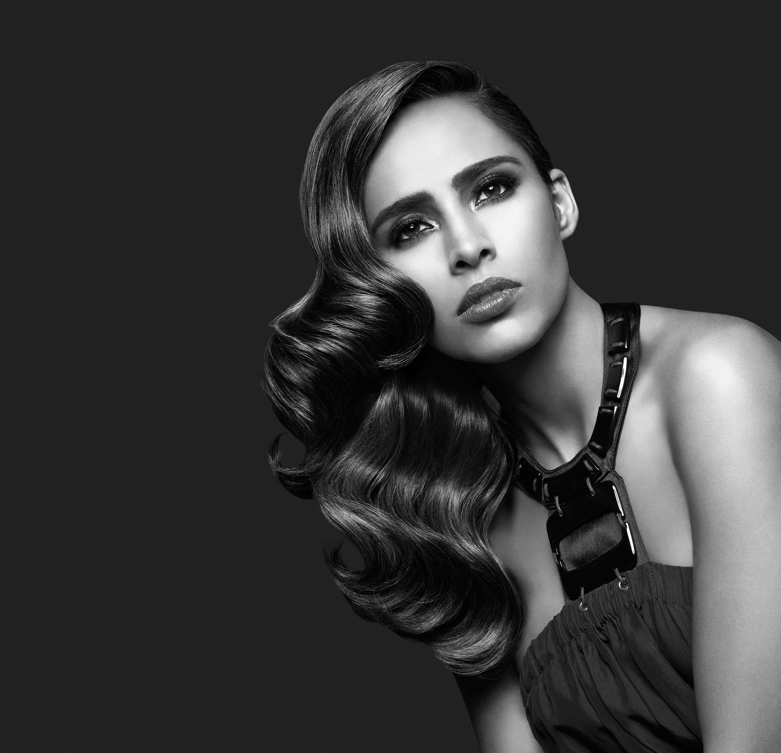 Awapuhi-model-Adriana3-hq